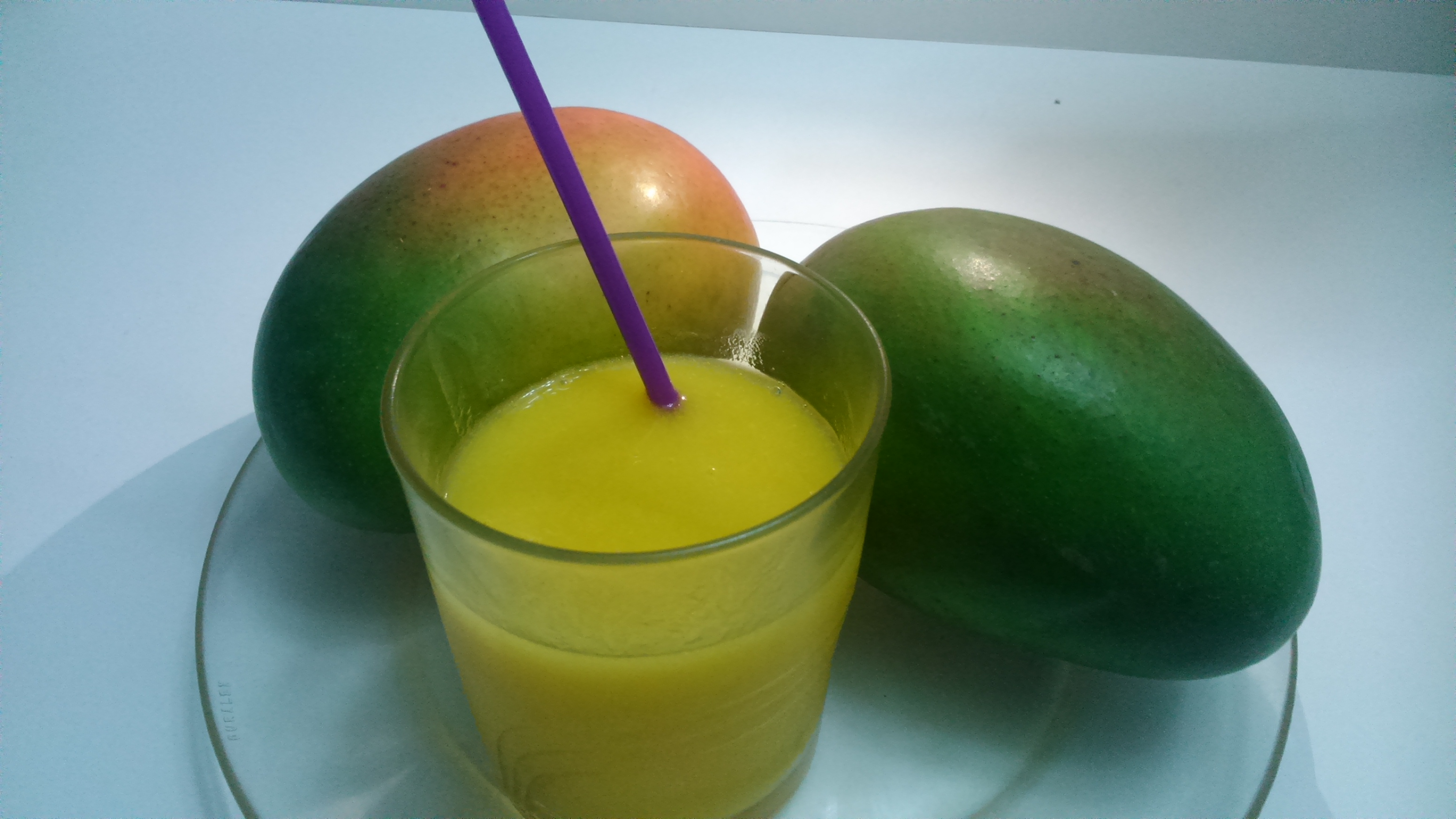 Refresco de mango y naranja con Thermomix® en Labastida