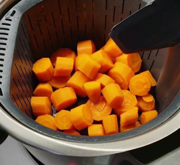Bizcochitos AL VAPOR de zanahorias y cacao